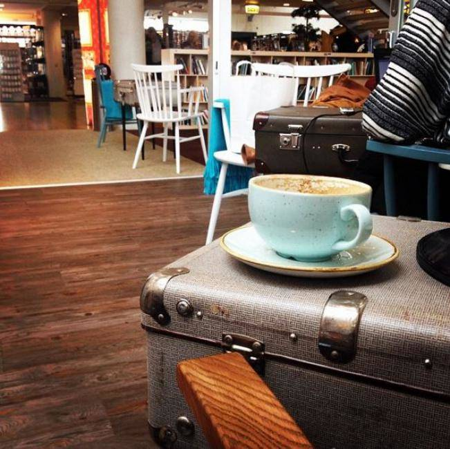 A cuppa at the cosy Tallinn Airport