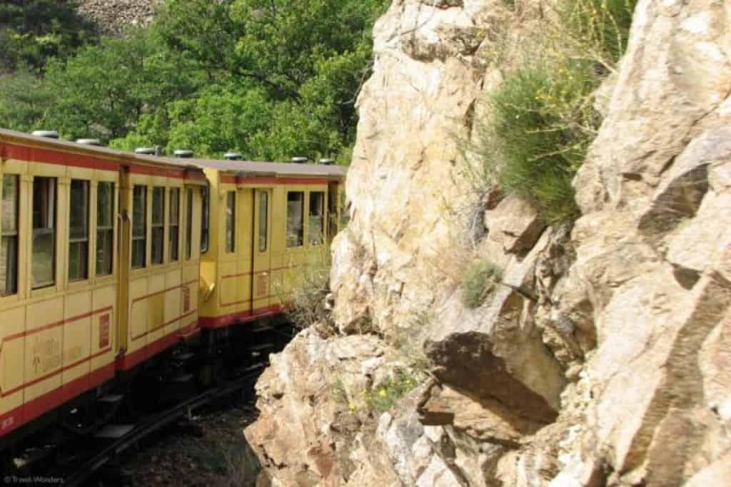 Le petit train jaune in France