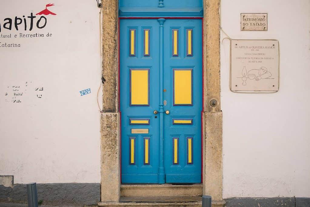 Alfama, popula Lisbon neighborhood