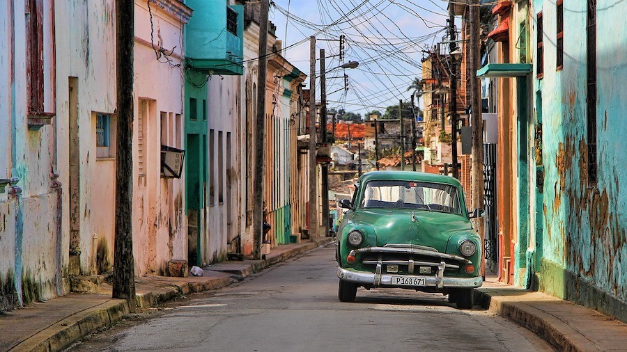 Staying at Casa Particulares in Cuba - a typical street scene