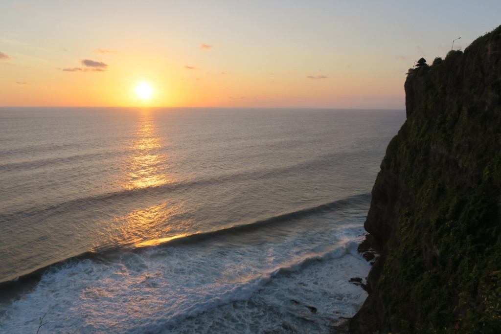 Surf spots in Bali - Uluwatu, Indonesia