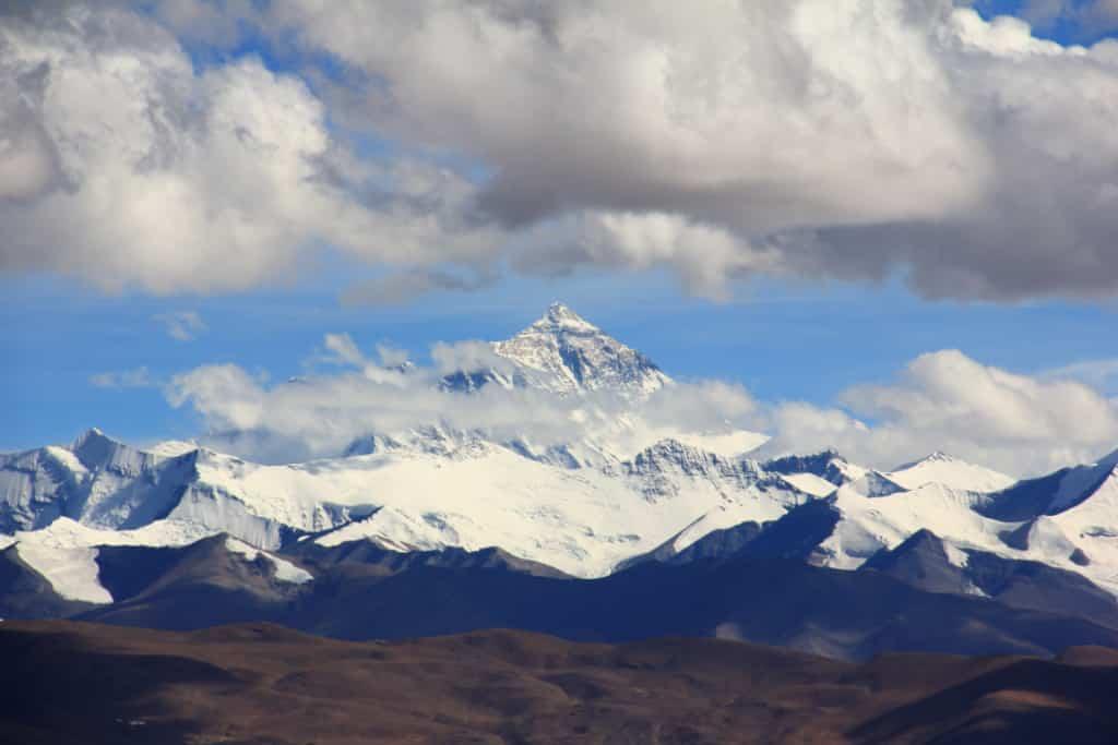 Dangers of climbing Mount Everest, China