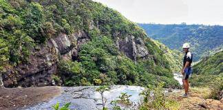 7 Cascades canoeing tour at the Tamarind Falls Reservoir in Mauritius.
