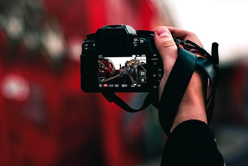 Sokak fotoğrafçılığı için DSLR fotoğraf makineleri